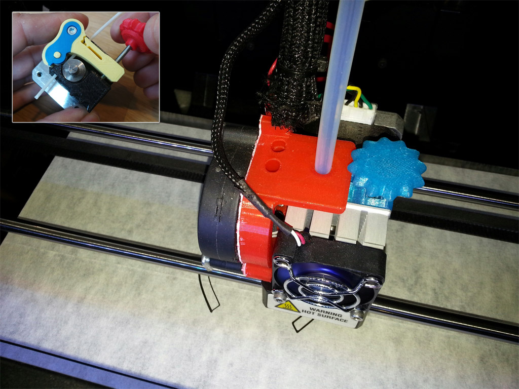 The ajustable extruder for the Makerbot Replicator 2 (pressure adjustable by jog switch)