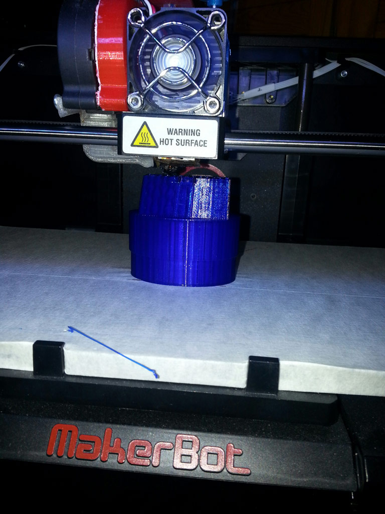 Makerbot Replicator 2: Screenholder-Druck