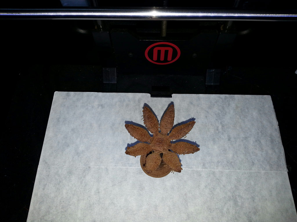 Wood Filament-Druck mit Makerbot Replicator 2